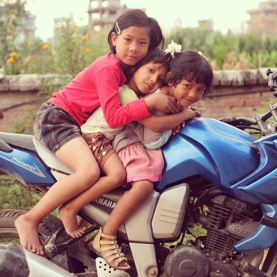 Girls on moto s550
