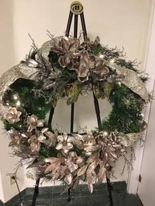 Champagne wreath full s300