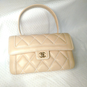 Chanel quilted beige purse s300